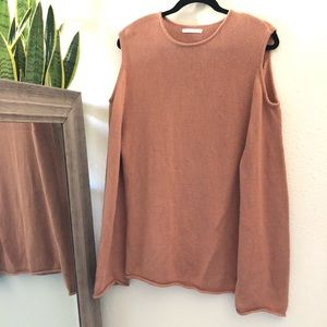 Oak Fort cut out shoulder pink camel tunic sweater